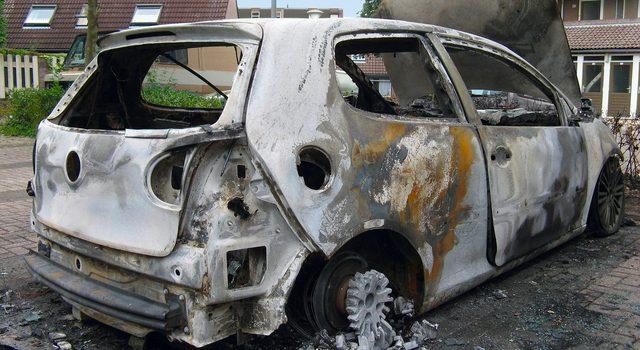 burned car 1448797 640x480 1